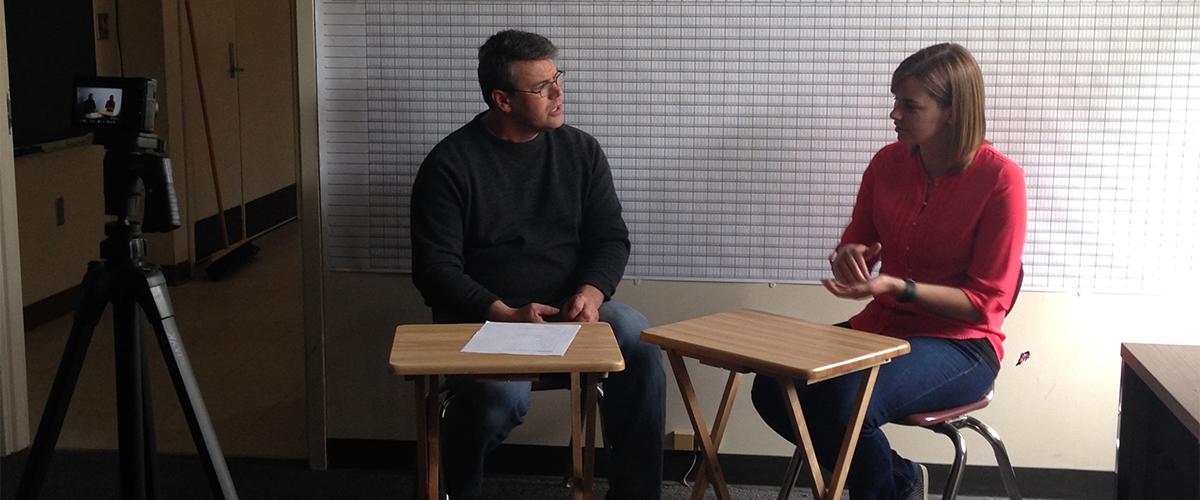 Evan Gardner assessing Robyn Giffen's chinuk Fluency Featured